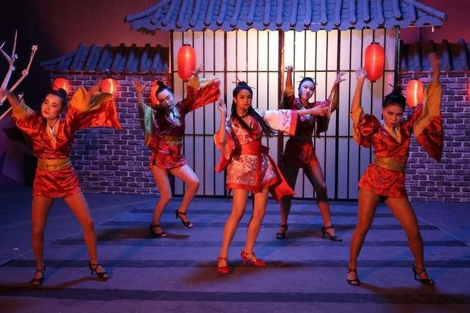 Truong Quynh Anh hoa than thanh geisha trong MV moi hinh anh 7