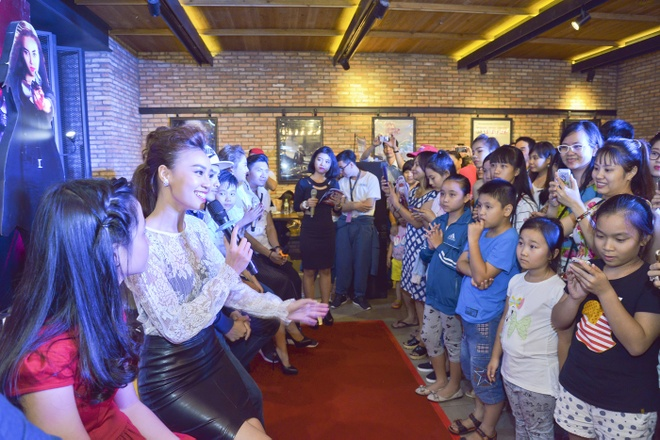 Ninh Duong Lan Ngoc quang ba phim Gang tay do anh 9
