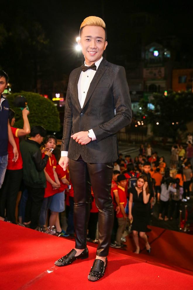 Tran Thanh khong buon du trang tay tai VTV Awards 2016 hinh anh 1