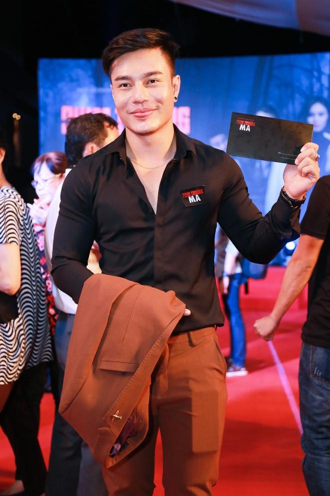 Phan Manh Quynh dua nguoi yeu di ra mat phim hinh anh 6