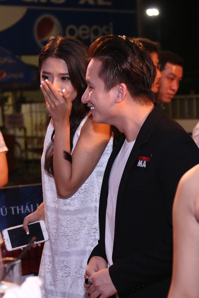 Phan Manh Quynh dua nguoi yeu di ra mat phim hinh anh 2