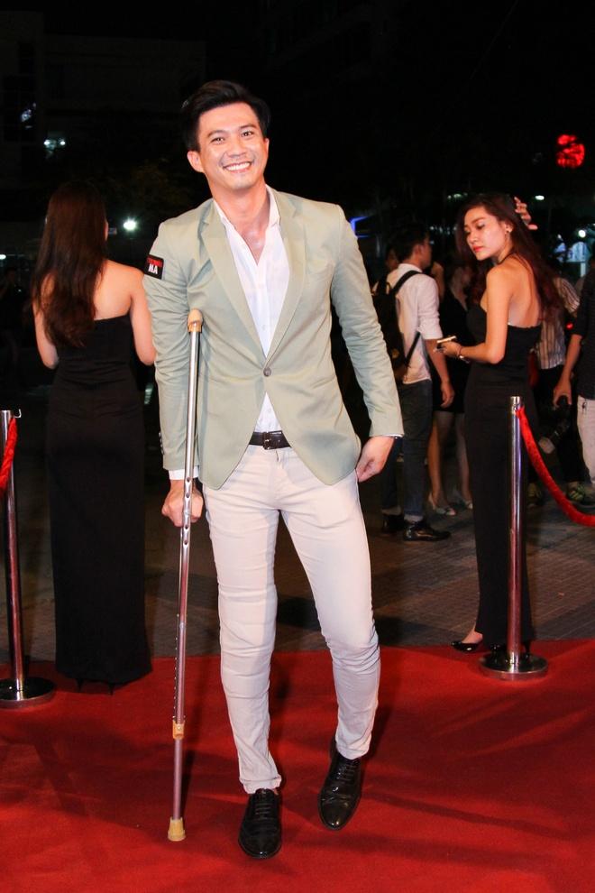 Phan Manh Quynh dua nguoi yeu di ra mat phim hinh anh 3