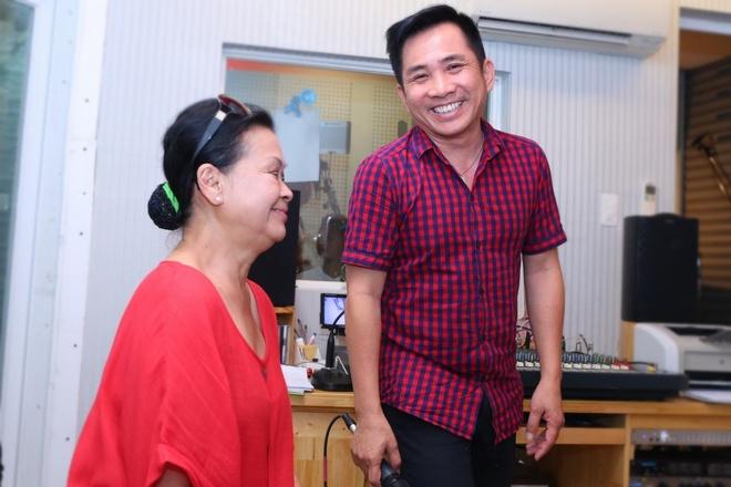 Hong Nhung hoi ngo Khanh Ly trong dem nhac tai TP.HCM hinh anh 8