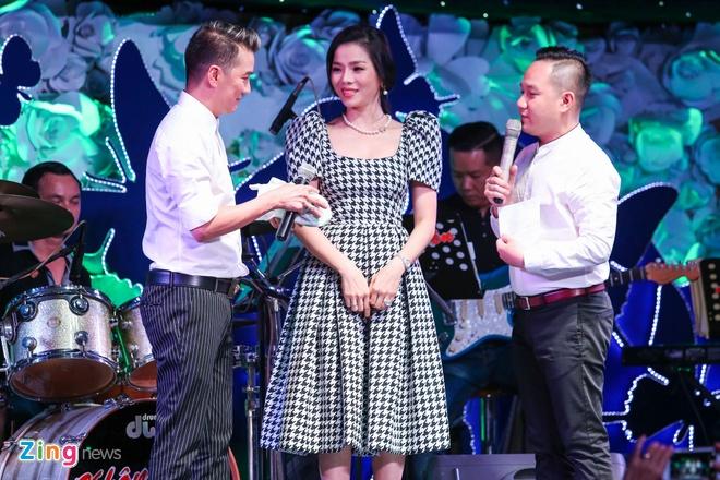 Nghe si Viet tang 300 trieu dong cho Minh Thuan hinh anh 12