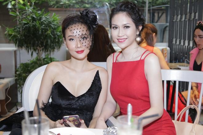 Thanh Ha duoc ban trai thap tung di su kien anh 5