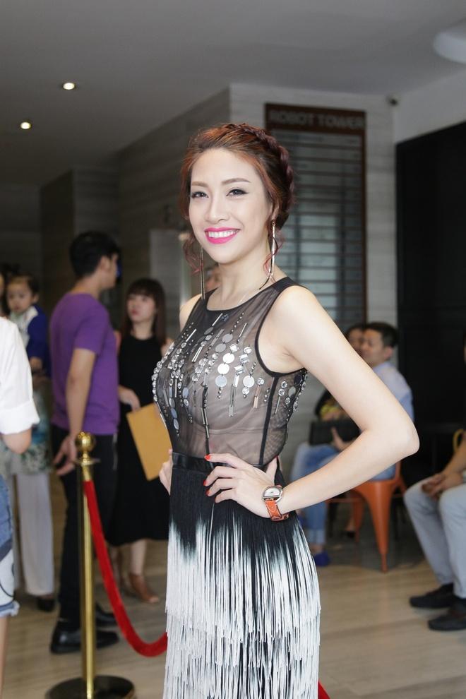 Thanh Ha va ban trai kem 12 tuoi tinh tu di su kien hinh anh 3