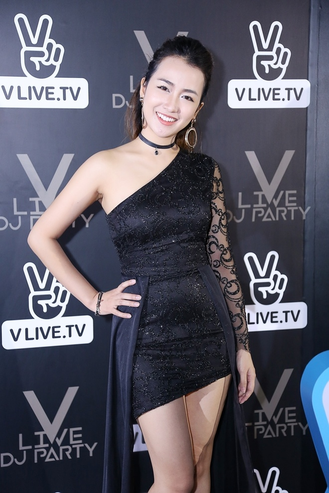 Trang Moon do ve sexy voi DJ Han Quoc anh 1