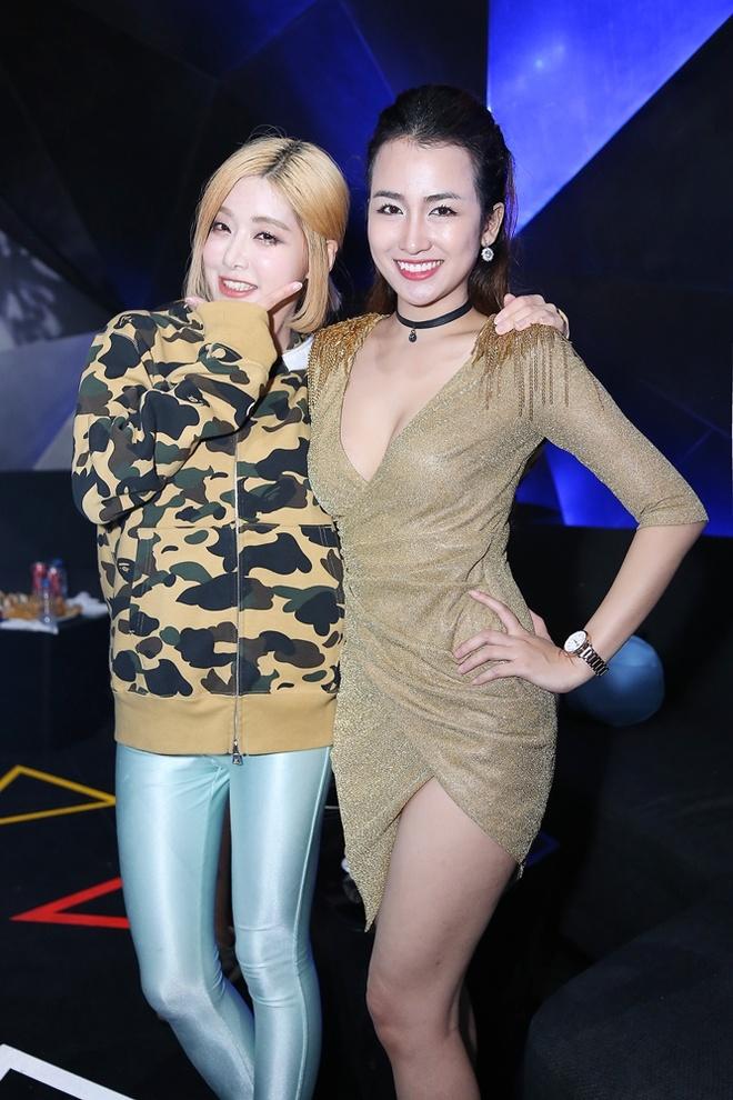 Trang Moon do ve sexy voi DJ Han Quoc anh 2