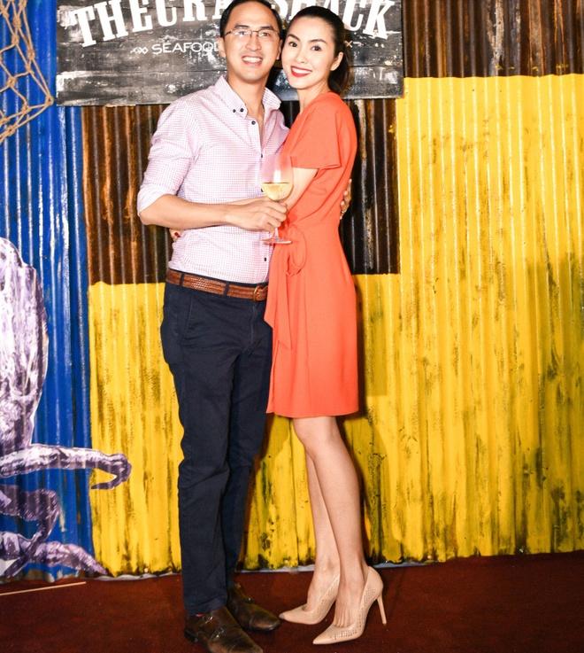Tang Thanh Ha tinh tu ben chong o su kien hinh anh 2