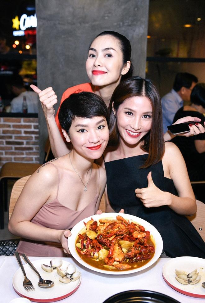 Tang Thanh Ha tinh tu ben chong o su kien hinh anh 3
