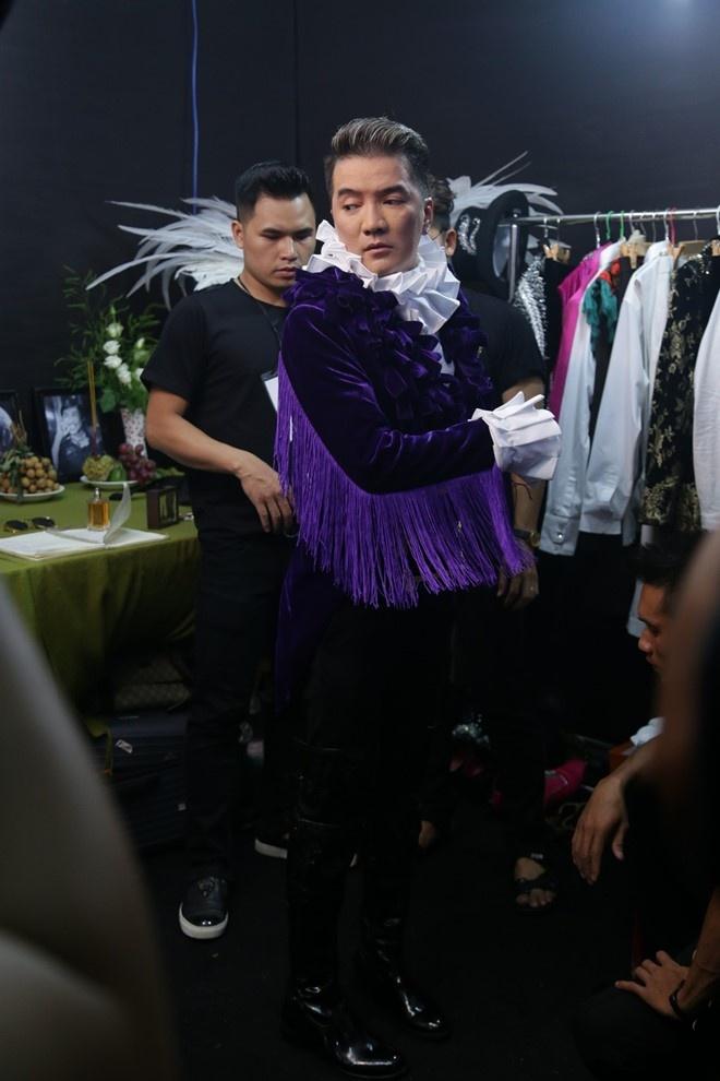Mr. Dam: O Vbiz, chi co toi chiu choi, lam duoc show nhu the hinh anh 2