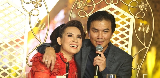 Manh Quynh: 'Toi van om Phi Nhung truoc mat ba xa' hinh anh 2