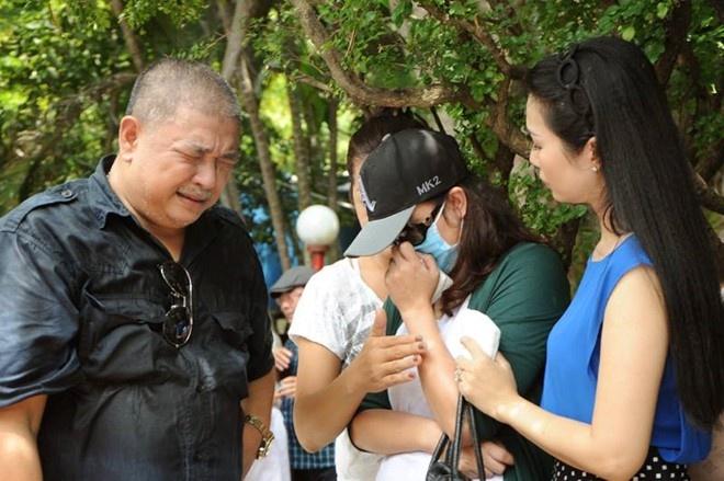 Minh Anh khoc khi duoc 'giai oan' o le gio Le Cong Tuan Anh hinh anh 1