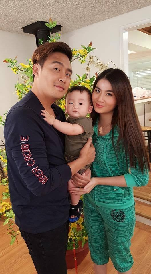 Kha Ly - Thanh Duy chup anh voi con trai Xuan Mai o My hinh anh 1