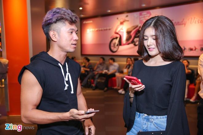 Milan Pham di xem phim mot minh sau nghi van yeu Tien Dat hinh anh 8