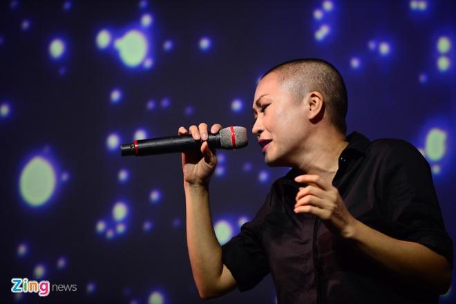 Ha Ho tu Quang Binh ve TP.HCM gop giong ung ho mien Trung hinh anh 7