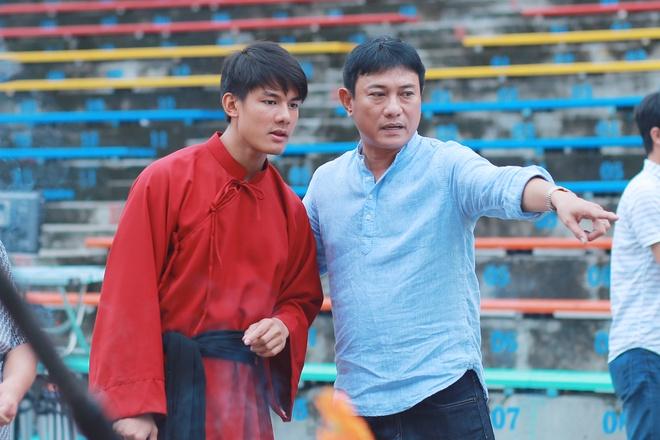 Diep Lam Anh sua trang phuc cho hau due cua Thanh Long hinh anh 1