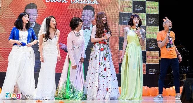 Tran Thanh hon Hari Won trong buoi hop fan hinh anh 9