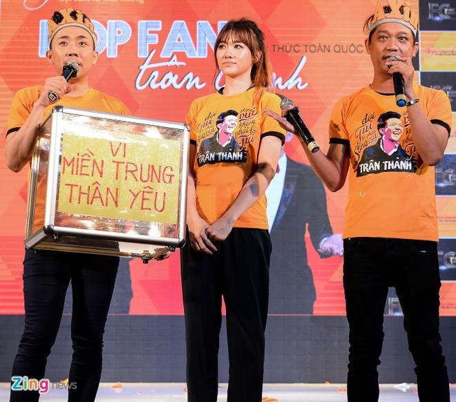 Tran Thanh hon Hari Won trong buoi hop fan hinh anh 10