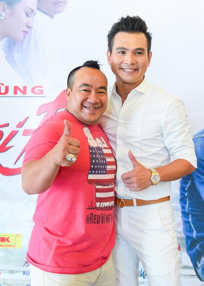 Pham Thanh Thao ve nuoc chuc mung Lam Hung ra mat album hinh anh 5