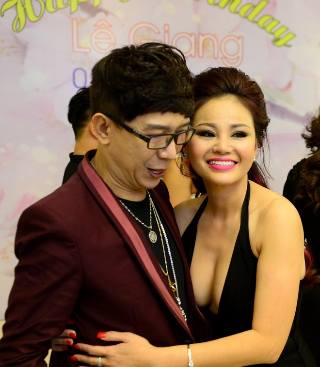 Le Giang goi cam trong tiec sinh nhat anh 1