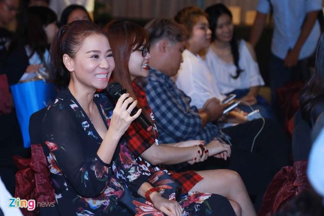 Bo me ve nuoc chuc mung Trong Hieu ra mat MV moi hinh anh 7