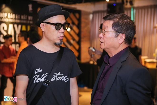 Bo me ve nuoc chuc mung Trong Hieu ra mat MV moi hinh anh 6