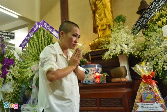 Phi Nhung, Phuong Thanh vieng sau nu Ut Bach Lan luc nua dem hinh anh 4