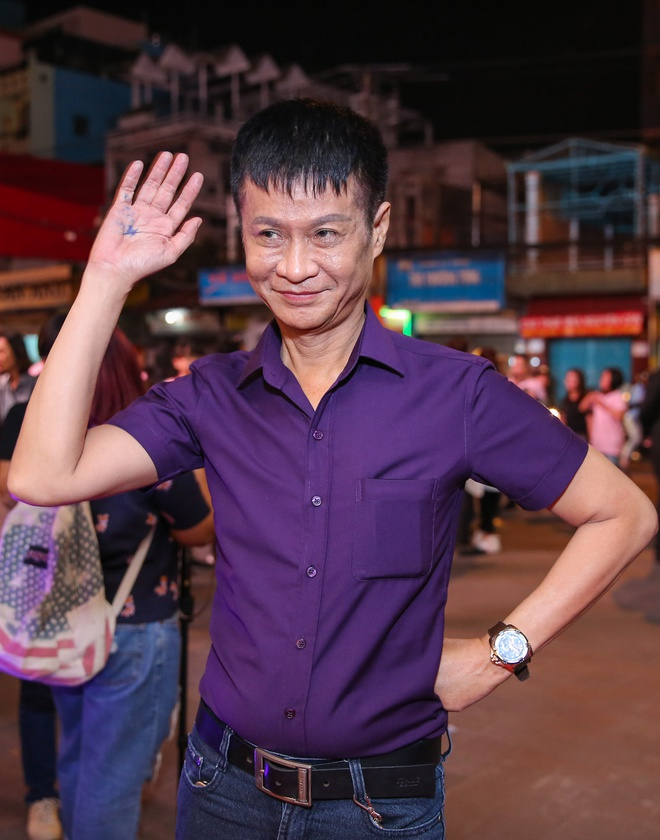Angela Phuong Trinh mac goi cam sanh vai ben Vo Canh hinh anh 8
