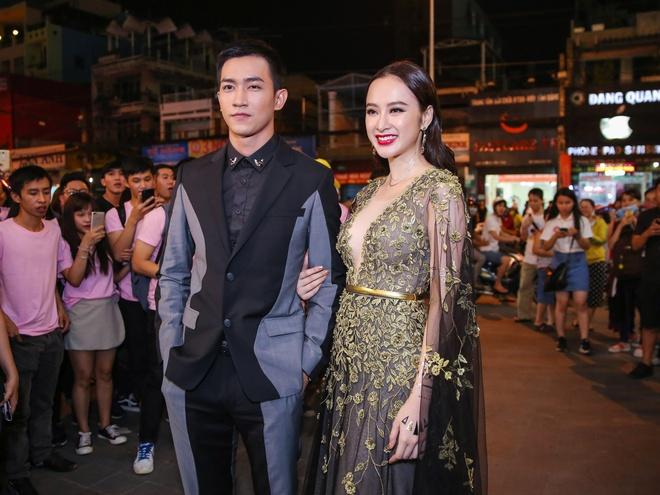 Angela Phuong Trinh mac goi cam sanh vai ben Vo Canh hinh anh 2