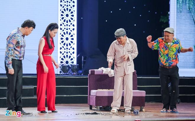 Truong Giang lap ky luc voi live show tai Da Nang hinh anh 9