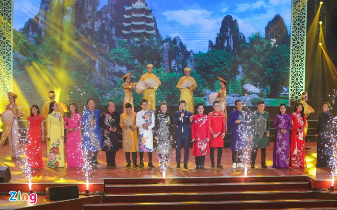 Truong Giang lap ky luc voi live show tai Da Nang hinh anh 2