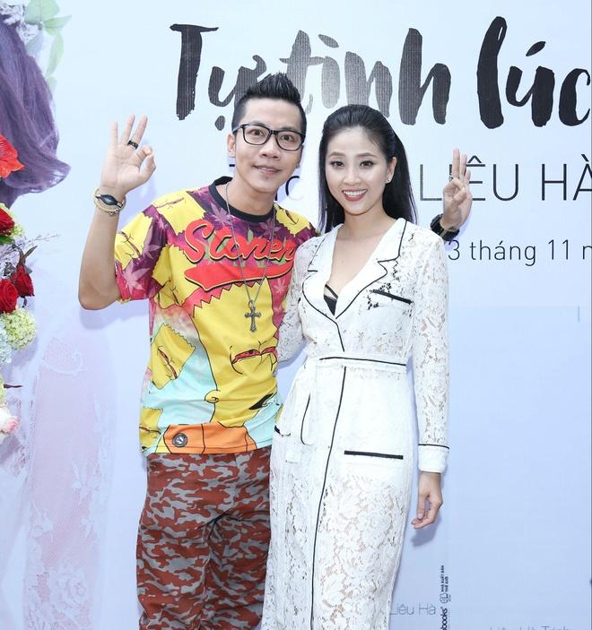 Mc Lieu Ha Trinh Khoe Nguoi Yeu Trong Ngay Ra Mat Sach Hinh Anh 6