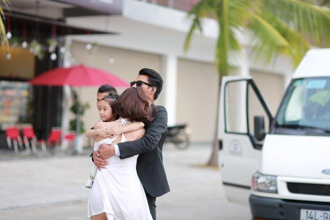 Angela Phuong Trinh bi Mac Hong Quan tat anh 2