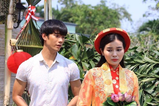 Nhan Phuc Vinh ngan can Cao Thai Ha lay chong trong phim hinh anh