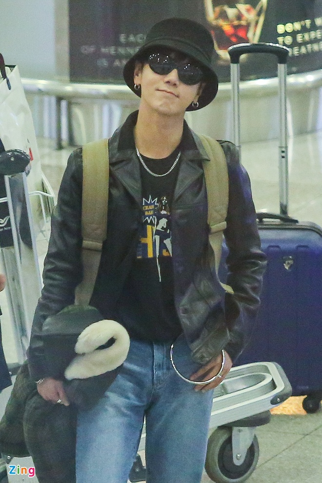 Fan Viet don Yesung o san bay anh 5