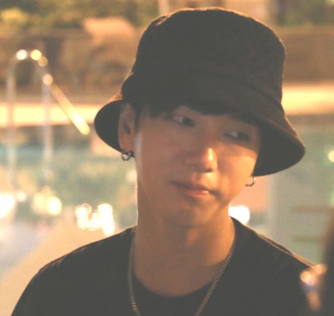 Yesung bi fan Viet keo ao,  giat mu anh 3