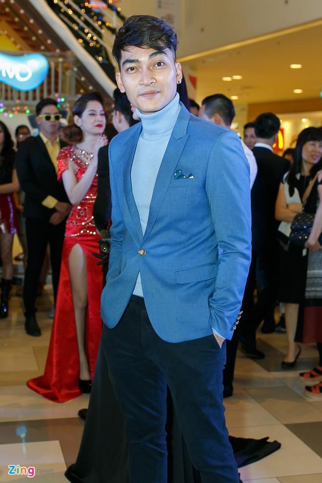 Sao Viet di xem phim cua Kim Ly anh 4