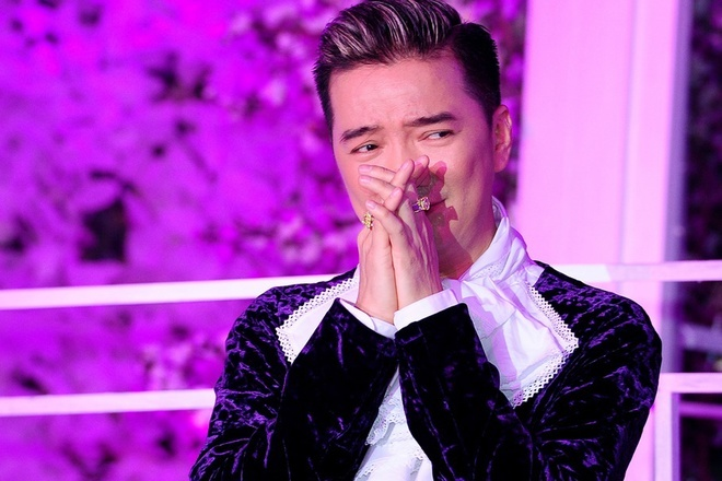 Le Quyen: 'Nhieu lan thay anh Dam Vinh Hung khoc tuc tuoi' hinh anh 1
