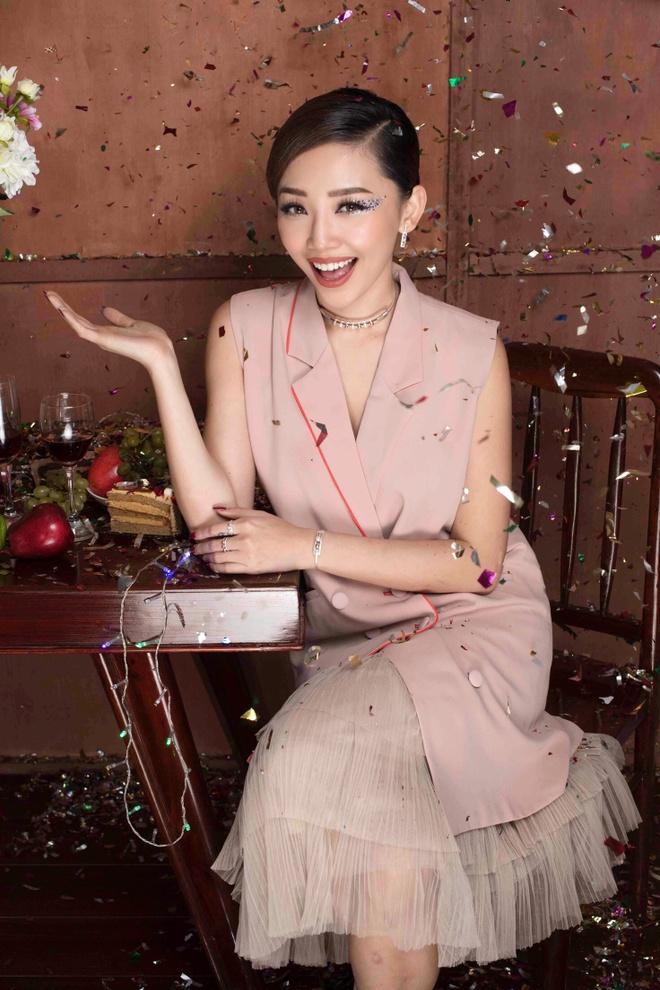 Toc Tien xinh tuoi trong bo anh don Giang sinh hinh anh 5