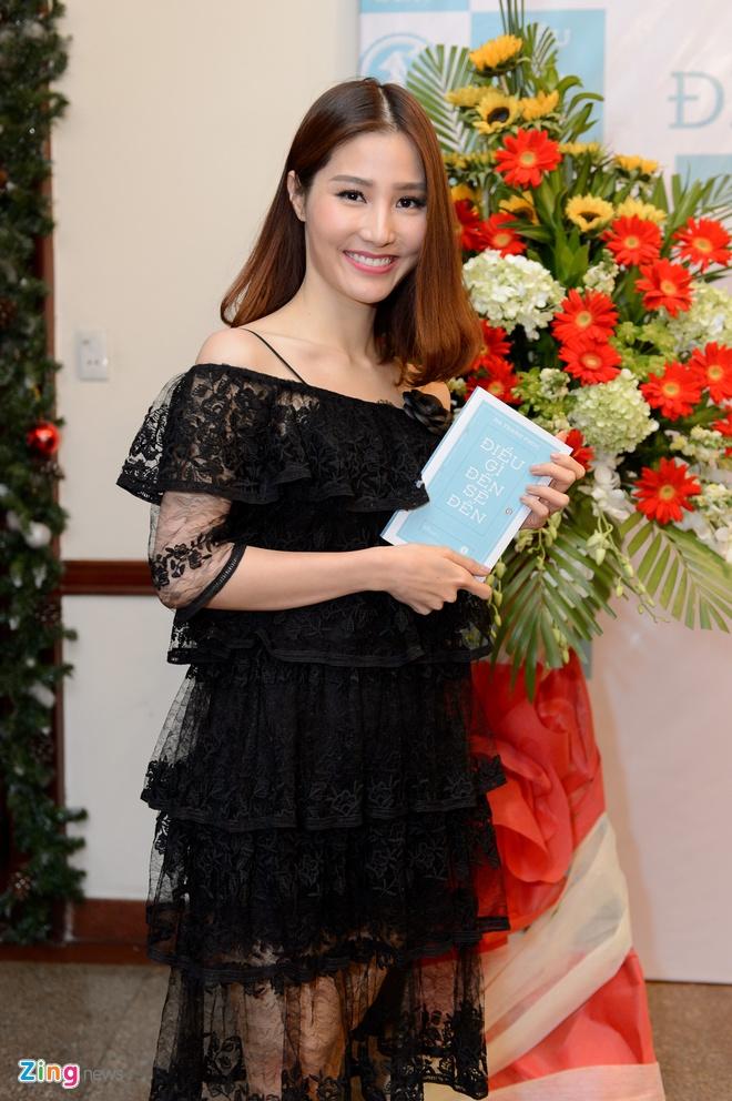 Ha Thanh Phuc ra sach Dieu gi den se den anh 1