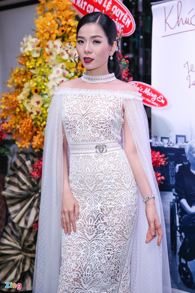 Le Quyen than thiet voi Quang Le o su kien anh 1