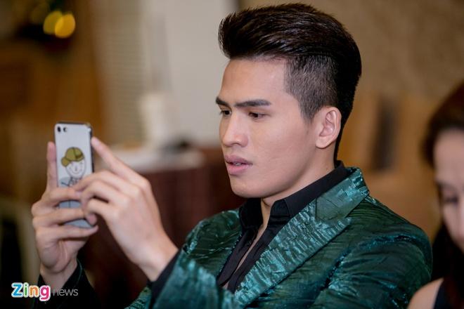 Le Quyen than thiet voi Quang Le o su kien anh 7