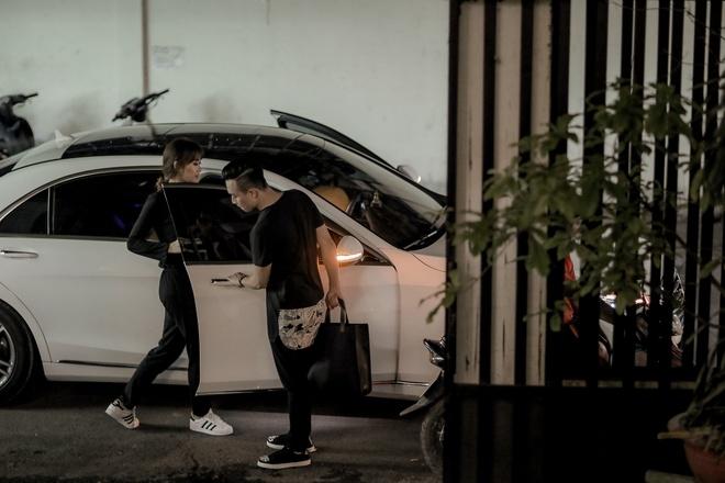 Tran Thanh dat rieng hai mau vay cuoi dac biet cho Hari Won hinh anh 9