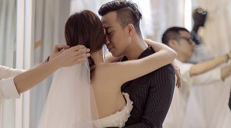 Tran Thanh dat rieng hai mau vay cuoi dac biet cho Hari Won hinh anh
