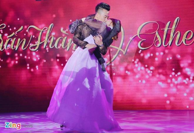 dam cuoi Tran Thanh va Hari Won anh 4
