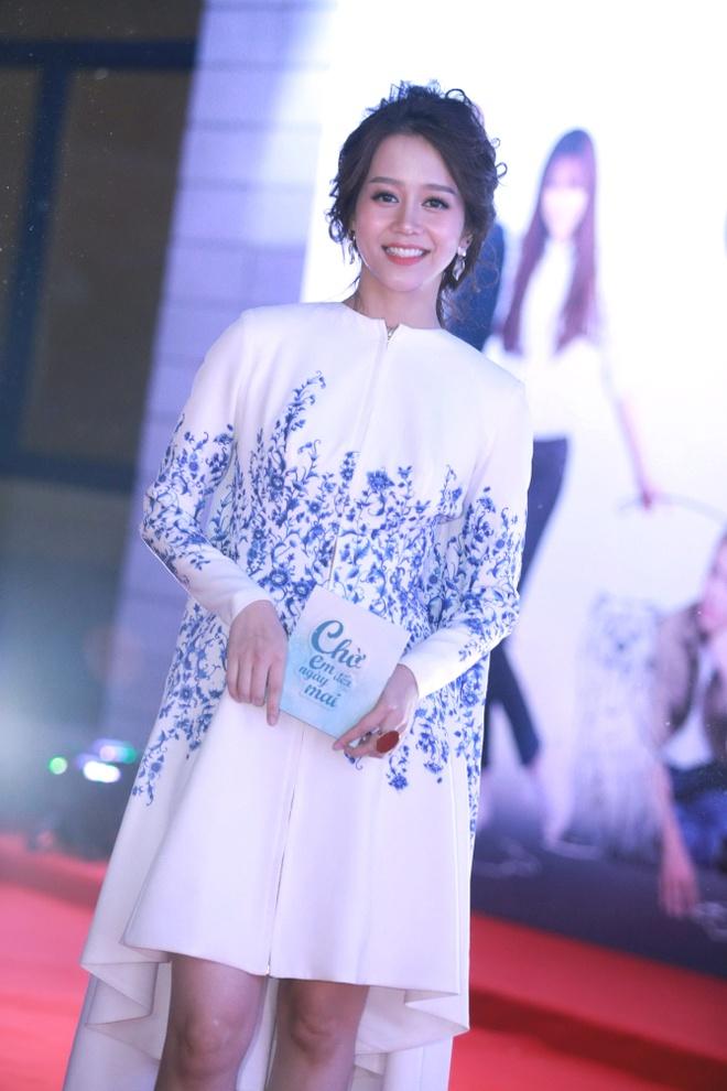 An Nguy, Lily Nguyen tuoi tan tren tham do ra mat phim hinh anh 1