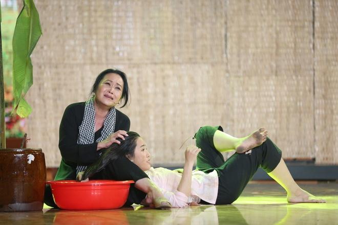 Hoai Linh rom nuoc mat khi xem tieu pham cua Puka hinh anh 2