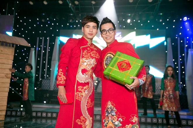 Bao Anh cham soc Ho Quang Hieu trong hau truong hinh anh 5