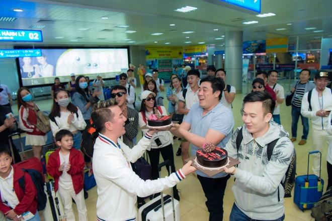 Mr Dam to chuc sinh nhat cho Duong Trieu Vu anh 6